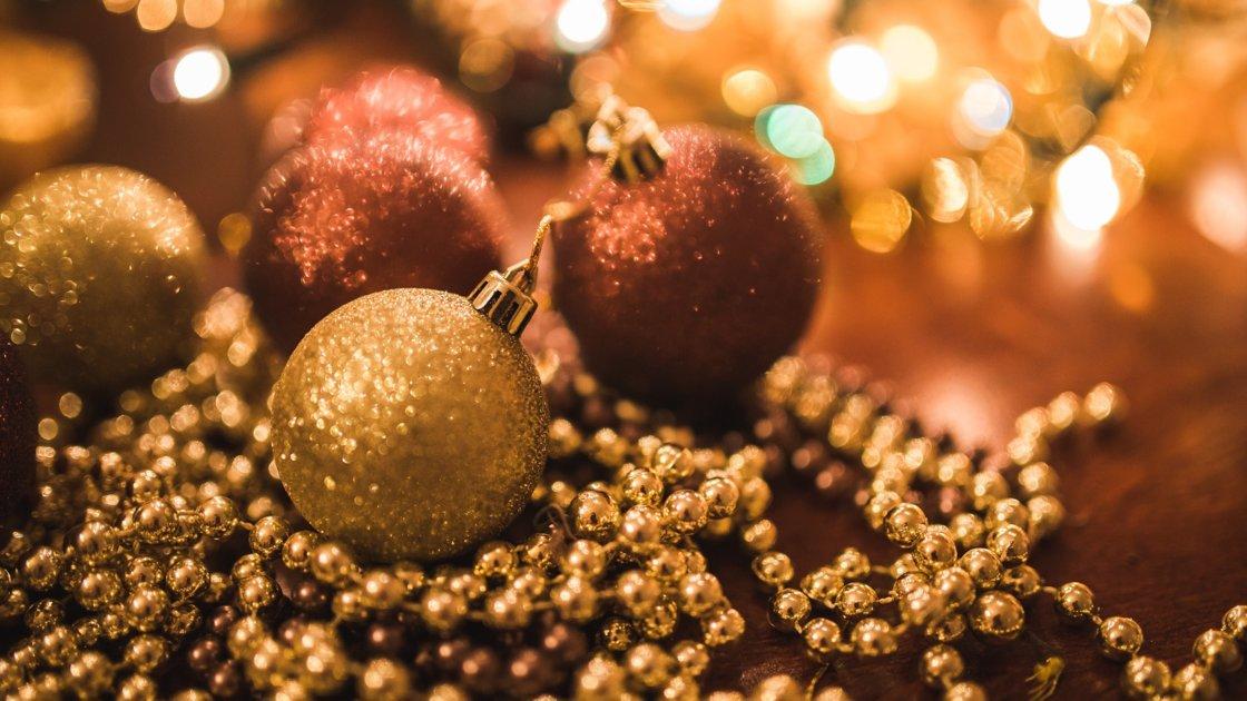 Holiday Carols with Catori