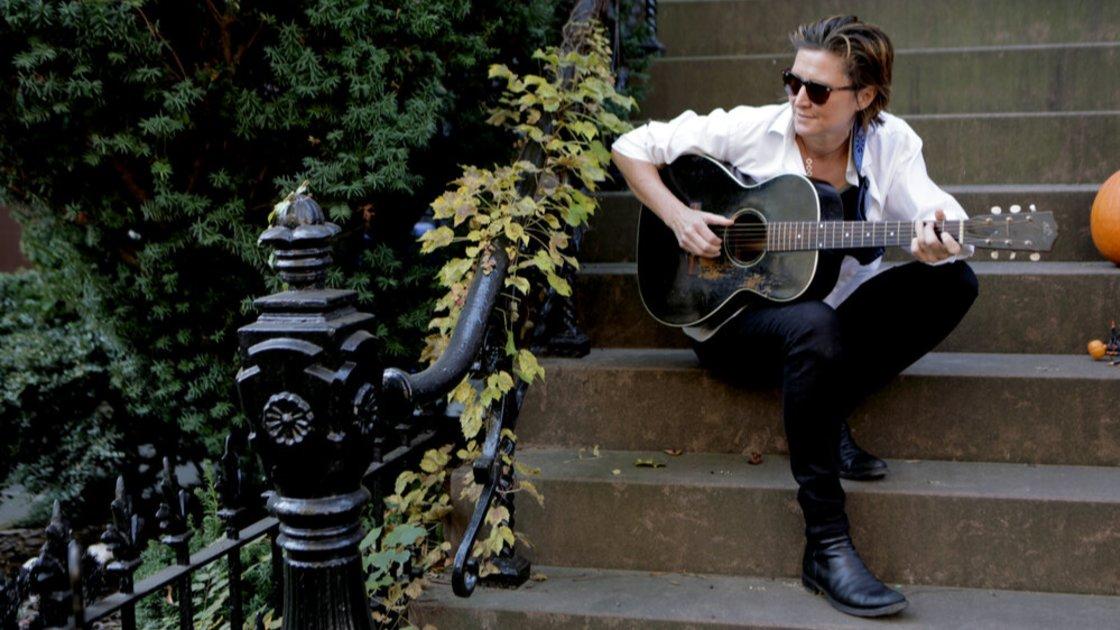 Private Rhythm Guitar & Fingerpicking Techniques w/ Annie Keating
